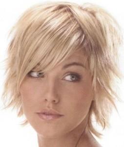Tagli capelli donne viso lungo