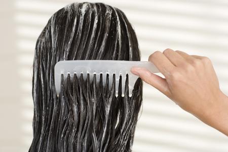 balsamo-idratante-per-capelli