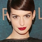 Anne-Hathaway-Deep-Side-Parting-Short-Hairstyles