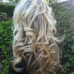Back-View-of-Long-Soft-Curly-Hairstyle-for-Girls