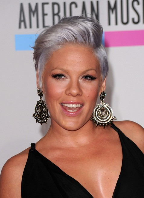 pink-short-side-part-haircut-for-short-hair1