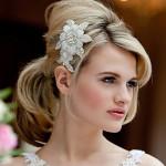 Stylish-Bridal-hairstyles-with-Rhinestone-Bridal-Hair-Clip