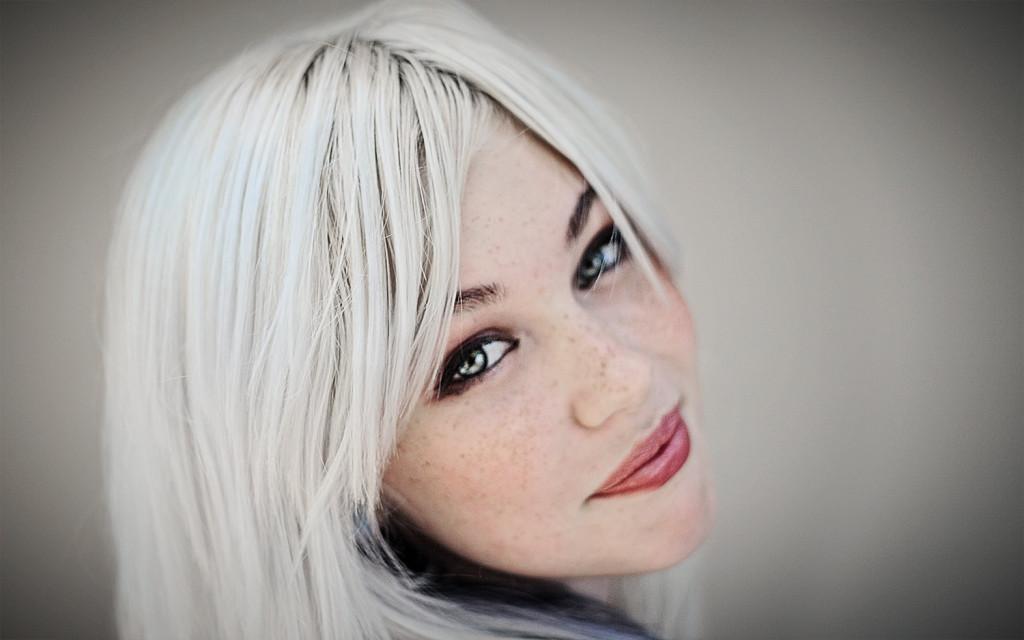 Coprire i capelli bianchi biondi – Tagli di capelli popolari 2019 846faeab9be6