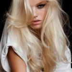 capelli-lunghi-biondo-platino