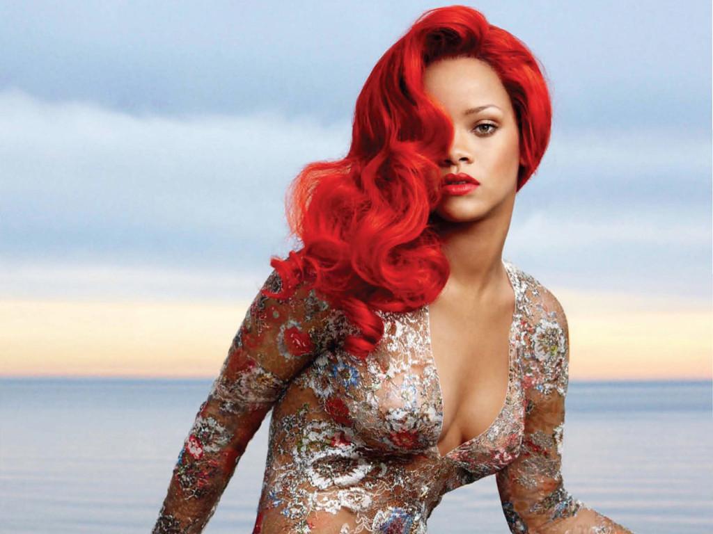 Rihanna capelli rosso fuoco rihanna-bright-red-hairstyle-for-vogue-magazine-1024x768