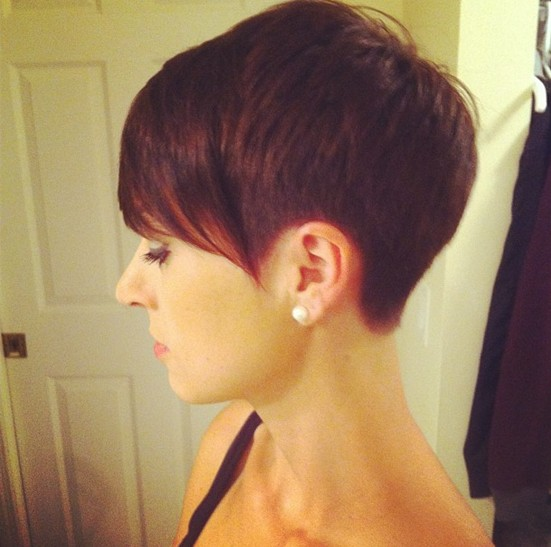 Chic-Pixie-Haircuts-Adorable-Short-Straight-Hair-08