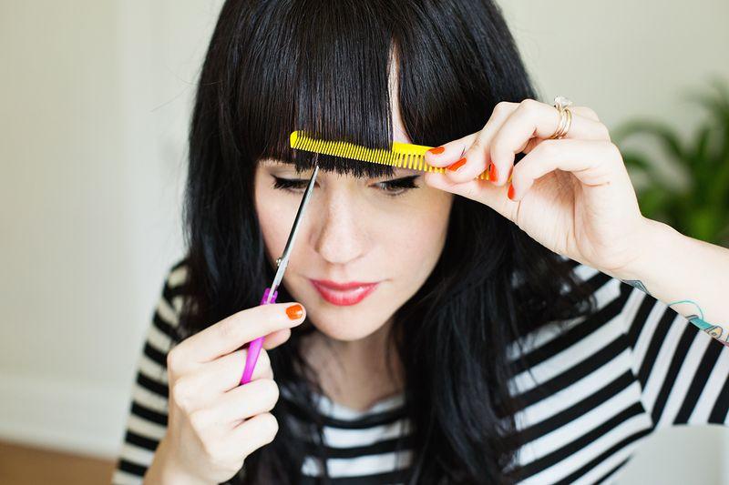 Tagliare i capelli da sola frangia