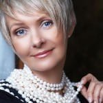 Cute-Short-Haircuts-for-Women-Over-40-50