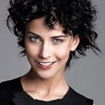 Taglio-capelli-corti-ricci-2015-effetto-sbarazzino