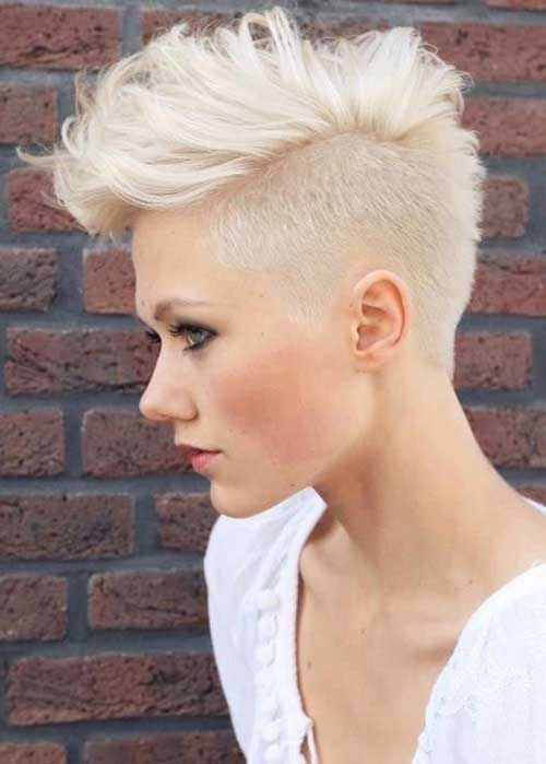 Textured-Pixie-Haircuts-with-Undercut Textured-Pixie-Haircuts-with-Undercut