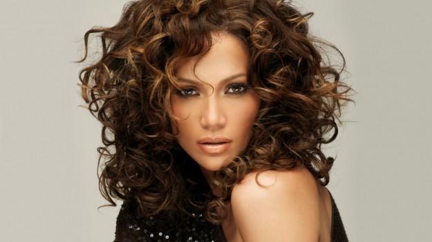 Jennifer lopez con i capelli corti