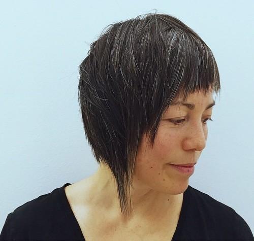 10-choppy-asymmetric-bob-for-mature-women
