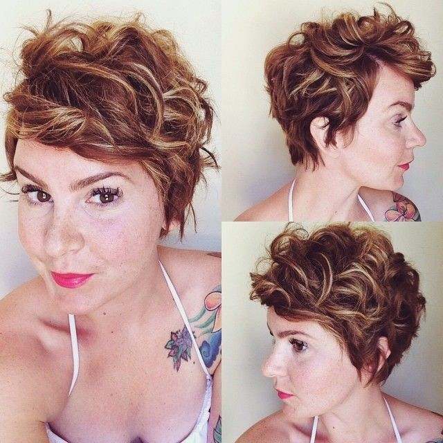 Curly-Pixie-Hairstyle-Women-Haircuts-for-Thick-Hair