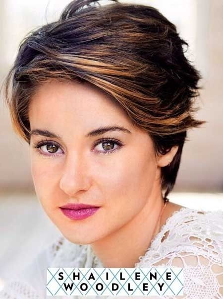 Easy-Short-Haircut-for-Women-Summer-Short-Hairstyles-for-Thick-Hair