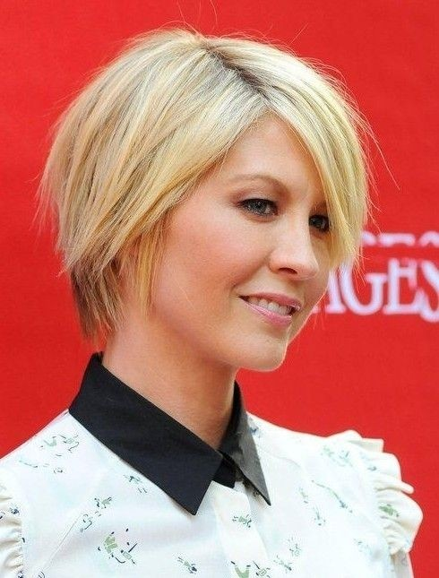 Jenna-Elfman-Short-Hair-Style-Blonde-Hairstyles