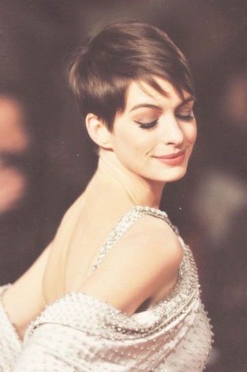 Anne Hathaway Capellistyle