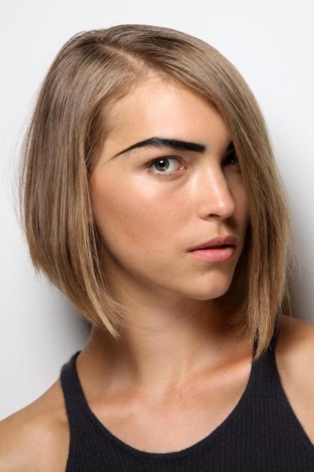 Tagli capelli fronte alta