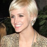 Short-Blonde-Hairstyle-for-Women