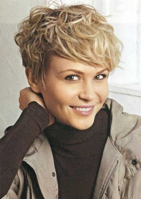 Short-Messy-Hairstyles-for-Women