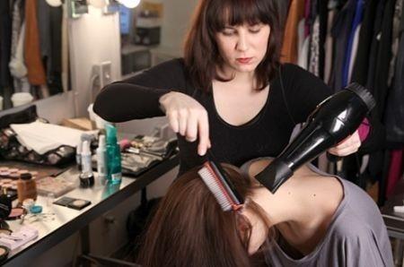 asciugare i capelli a testa in giu asciugare-a-testa-in-giu