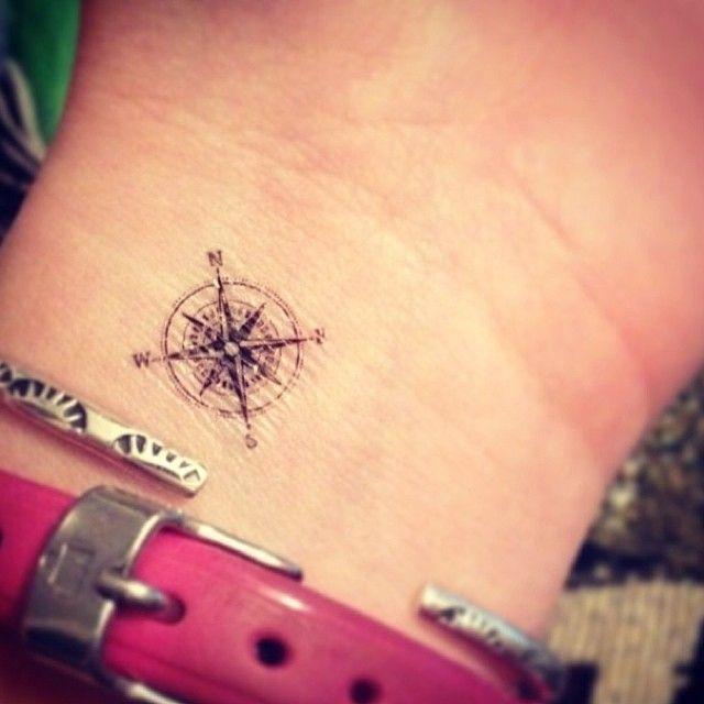 99 tatuaggi piccoli che vorreste avere a tutti i costi for Disegni piccoli per tatuaggi