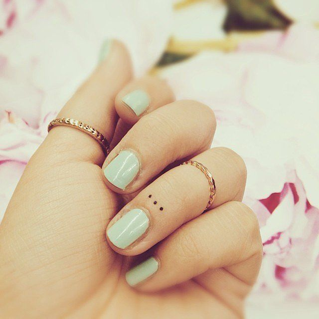 15-tiny-tattoos-you-can't-wait-to-have2 15-tiny-tattoos-you-can't-wait-to-have2
