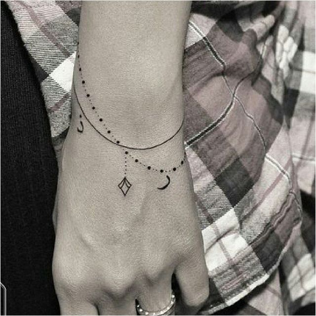 15-tiny-tattoos-you-can't-wait-to-have4