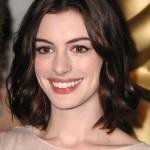 Anne-Hathaway-Wavy-Dark-Bob-Hair