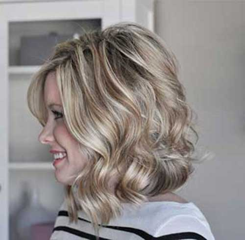 Short-to-Mid-Length-Blondie-Hair