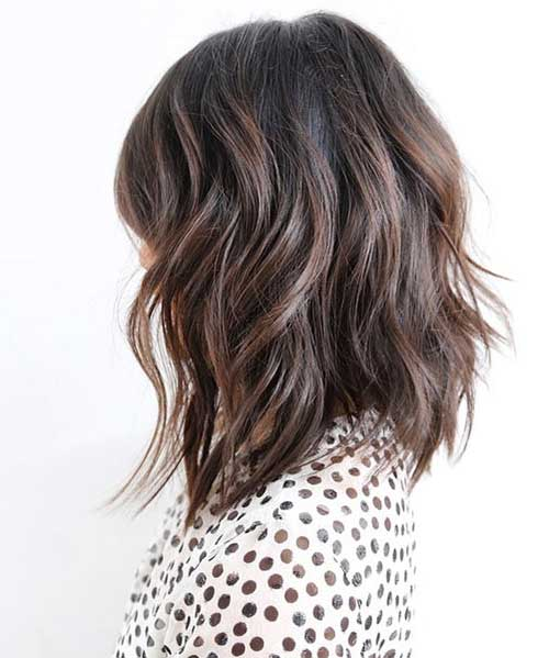 Short-to-Mid-Length-Layered-Hair