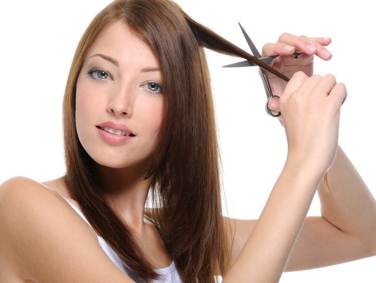 Taglio capelli luna calante in vergine