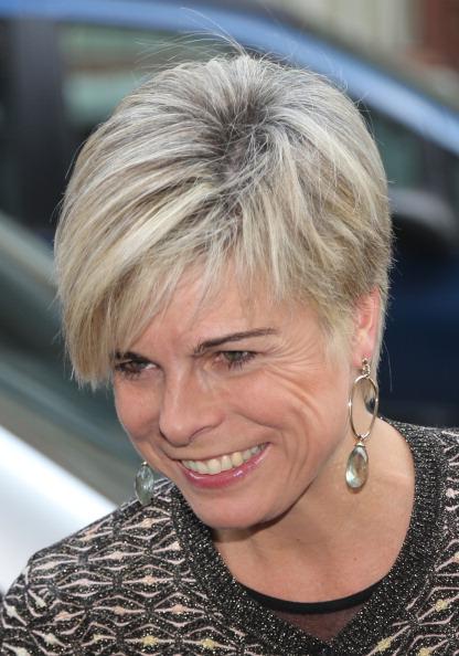 Tagli capelli corti per donne 60 anni