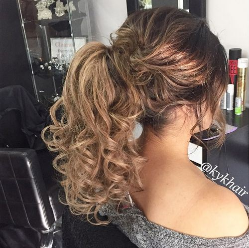code di cavallo disordinate 11-easy-high-pony-for-curly-hair
