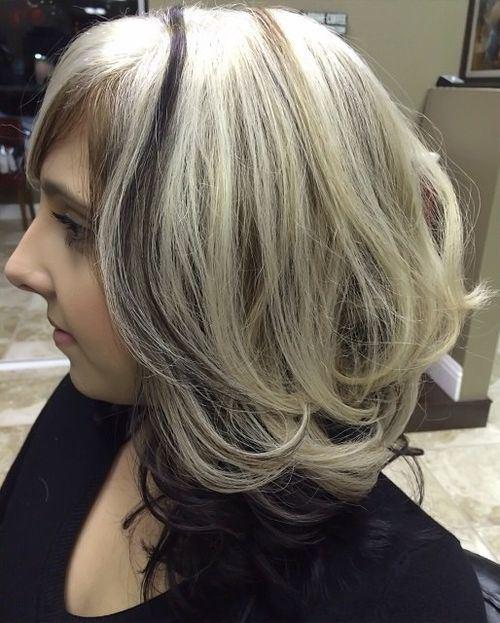 Colpi di sole platino su capelli bianchi – Tagli di capelli popolari ... 8268635d504c