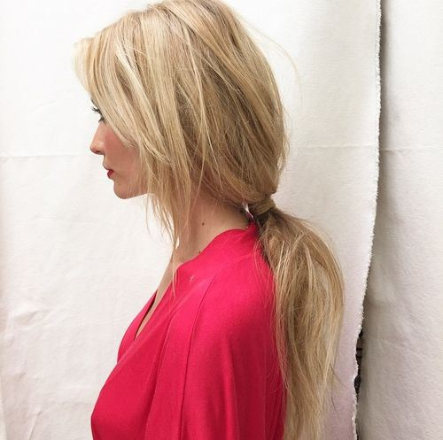code di cavallo disordinate 16-low-loose-pony-with-side-bangs