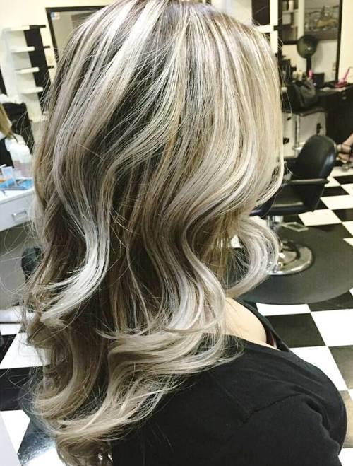 Colpi di sole su capelli bianchi