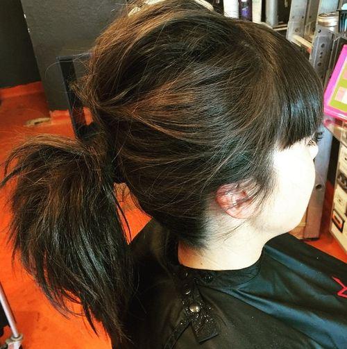 code di cavallo disordinate 4-messy-pony-for-medium-hair-with-bangs