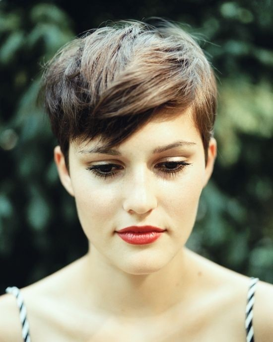 Pixie-Hairstyles-with-Long-Bangs