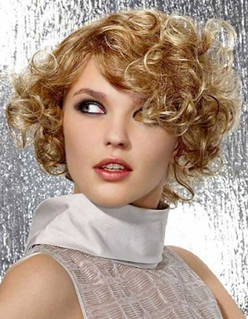 Short-Frizzy-Curly-Women-Hair