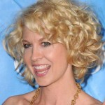 Short-Haircuts-for-Frizzy-Blonde-Curly-Hair