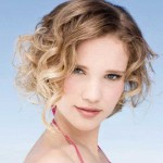 Short-Hairstyles-for-Curly-Hair-Oval-Face