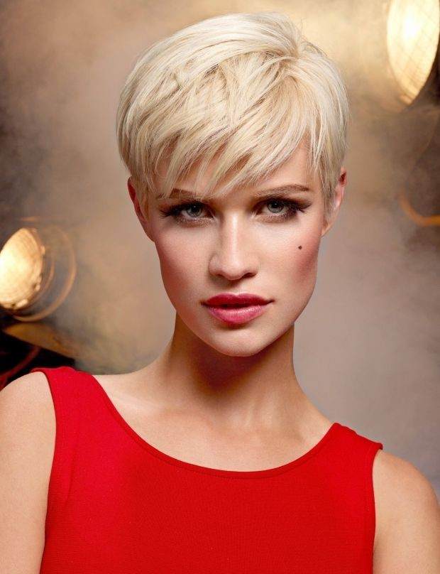 Short-Pixie-Hairstyle-for-Long-Face-Shape