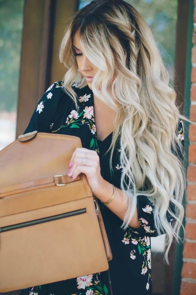 Bellezze dai capelli lunghi e ondulati