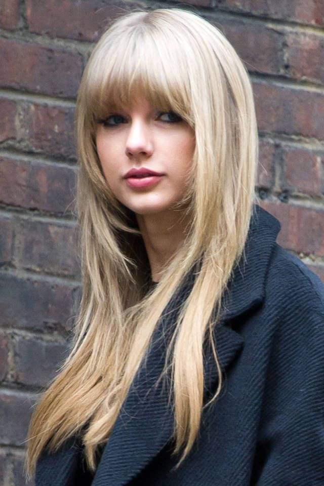Tagli di alta moda per capelli lunghi taylor-swifts-long-hair-styles-with-short-bangs1