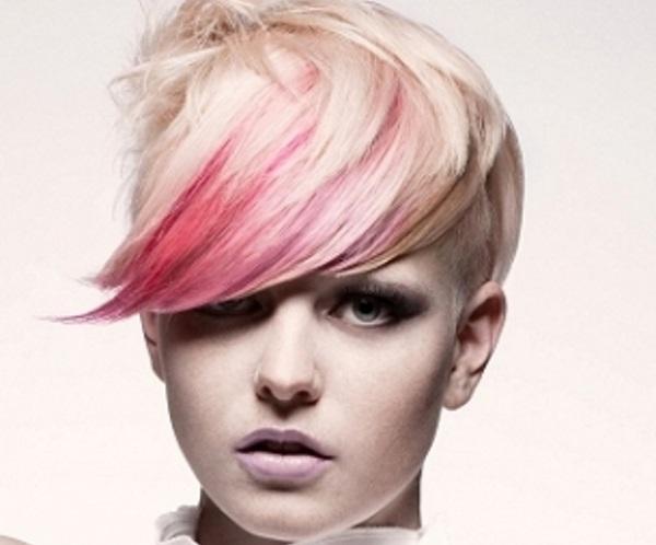 Capelli tinti di rosa