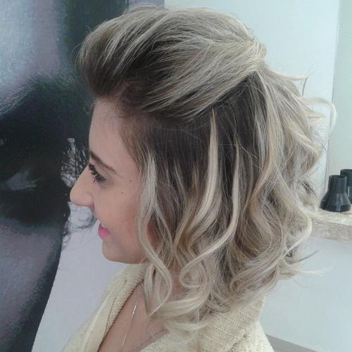 Tagli capelli bob biondi