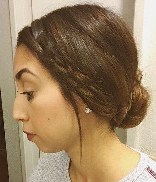 Chignon con capelli corti