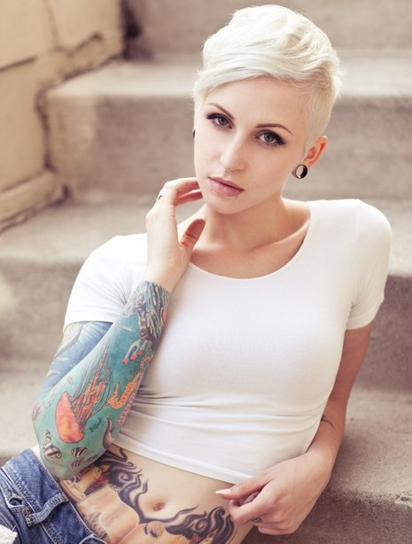 30-Chic-Pixie-Haircuts-Very-Short-Hair-with-Long-Fringe