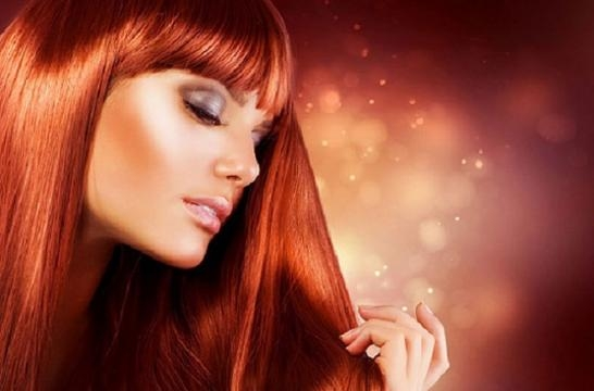 donna-di-tipo-primaverile-con-capelli-rossi_424117 donna-di-tipo-primaverile-con-capelli-rossi_424117