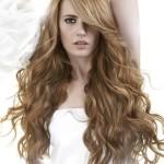 tagli-capelli-mossi-lunghi-e-scalati-con-ciuffo-laterale